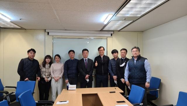 나. 2021년 2월 24일 수요일 송별회 사진.jpg